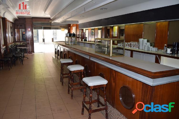 CAFETERÍA ACONDICIONADA Y CON TERRAZA EN EL CENTRO DE LA