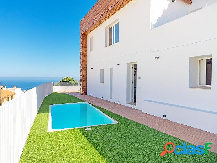 Casa en venta de 150 m2 en Calle Perdices, 29640 Fuengirola
