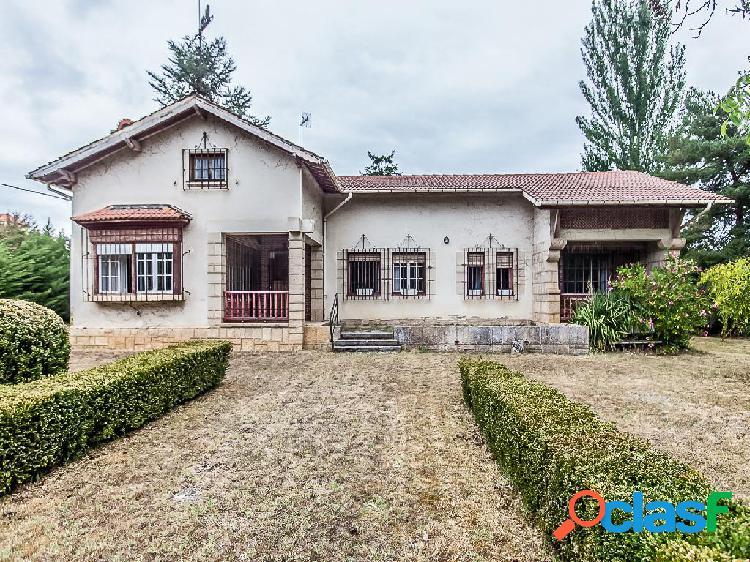 Casa en venta de 260 m² en Paseo de la Virgen, 09500 Medina