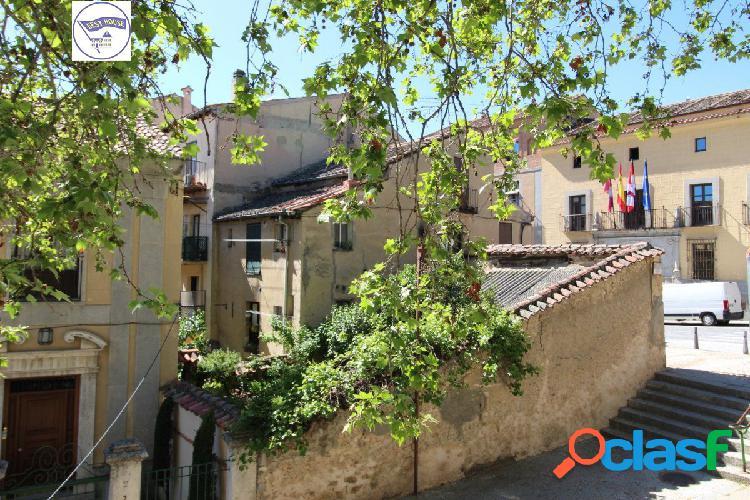 Casa unifamiliar con terreno en calle San Agustín, Segovia