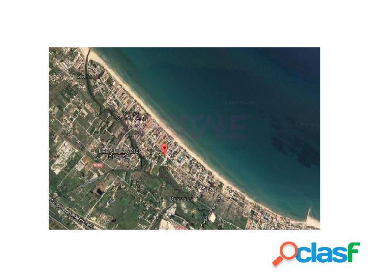 PRODUCTO BANCARIO. Solar de 139 m2 ubicado en la playa de