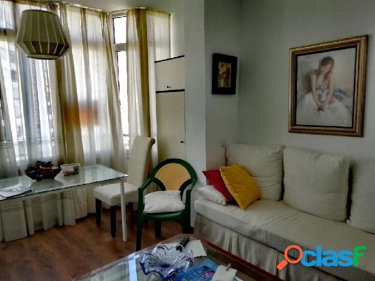 Estudio con 1 dormitorio en el centro de Torremolinos.