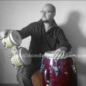 Se hacen clases de cajon flamenco, guitarra flamenca
