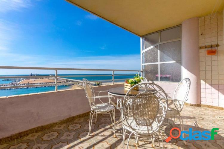 Apartamento en la primera linea de la playa de Náufragos,