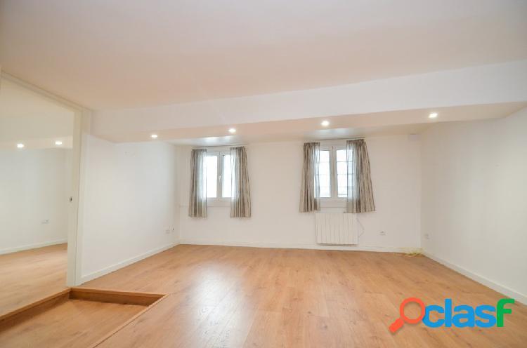 Apartamento reformado, sin muebles, en la Ciudad Vieja