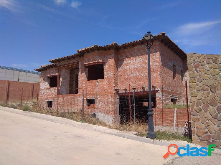 Estupendo Chalet en construcción en calle Serreria de
