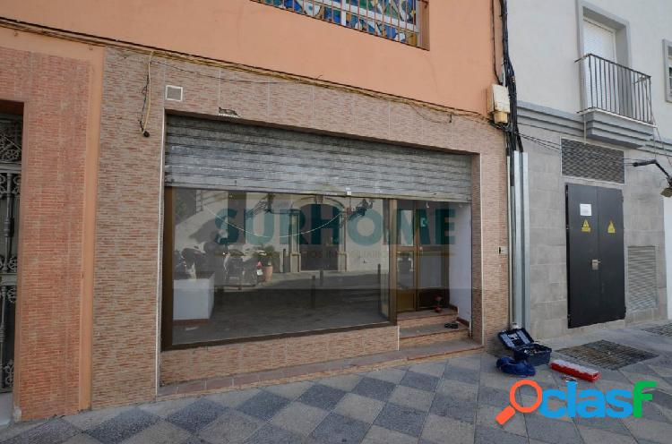 Local Comercial con escaparate y en perfecto estado en