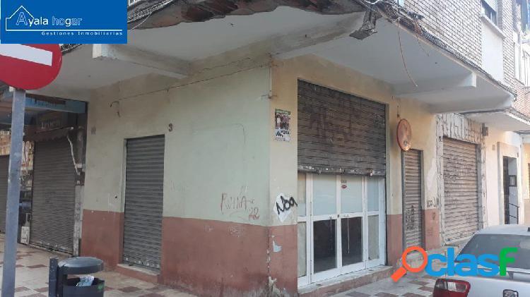 Local en esquina en Carretera Cádiz- San Andrés.