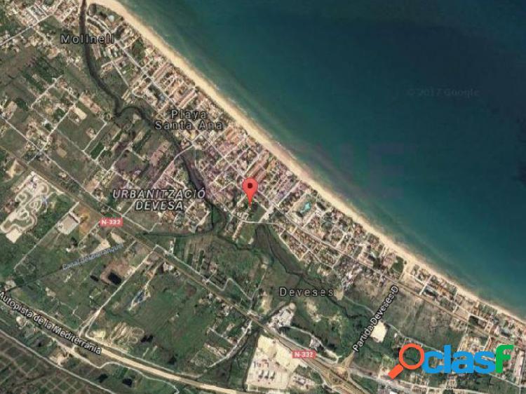 PRODUCTO BANCARIO. Solar de 5.287 m2.en la playa de Les
