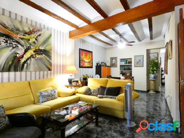 SIN NINGUNA COMISIÓN!! Casa amplia con garaje muy completa