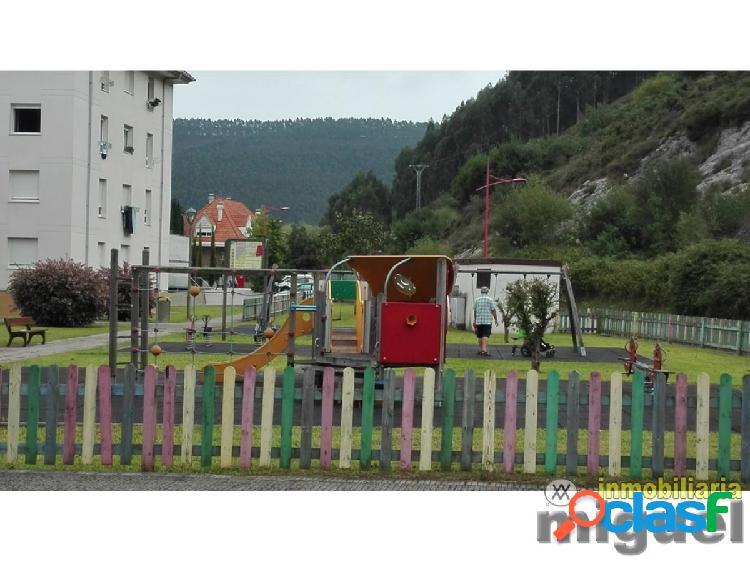 Se vende piso de dos dormitorios con terraza en Unquera, Val