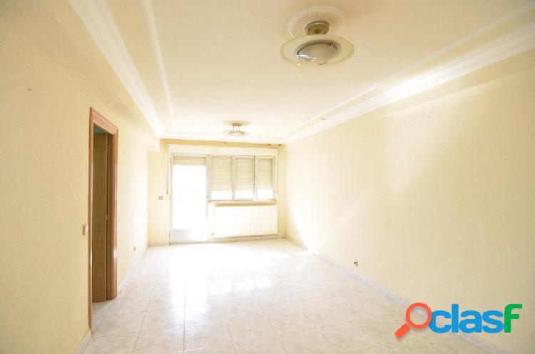 Urbis te ofrece un estupendo piso en venta en la zona de El