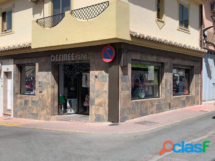 Venta de Local haciendo esquina es Peligros zona Centro