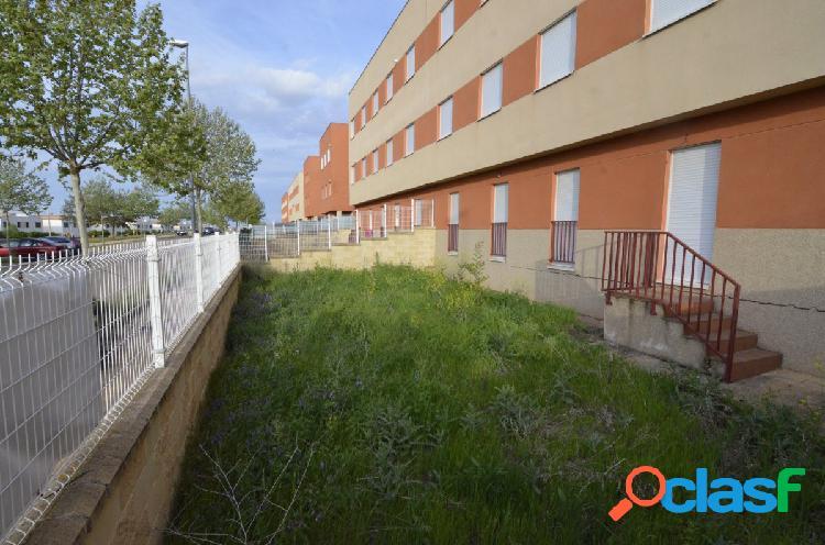 Urbis te ofrece unos pisos y oficinas en Doñinos de