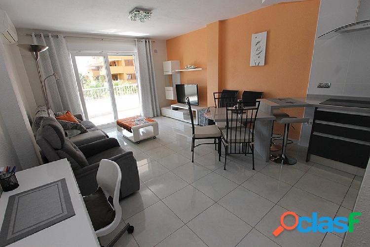 Apartamento reformado con vistas al mar en Punta Prima,