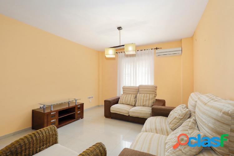 Fantástico piso en esquina en Atarfe