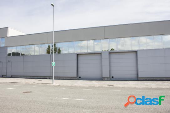 Nave industria DE 780 m2 en venta en el Polígono Industrial