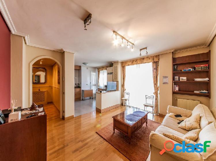 Piso en venta de 95m² en Paseo de Sandúa, 31012 Pamplona,