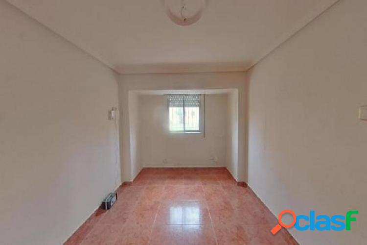 Urbis te ofrece un piso en la zona de La Vega, Salamanca