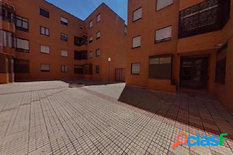 Urbis te ofrece un piso en la zona de Tejares, Salamanca