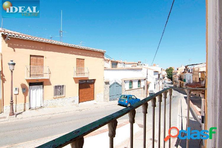 A5918J1. Casa Cueva en el pueblo de Guadix.