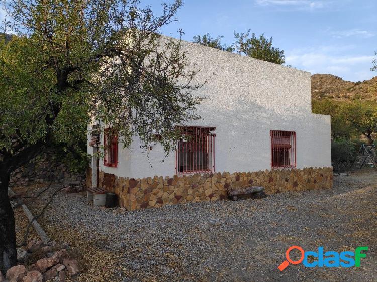 Se vende Casa con parcela de 2.863 m2 en Felix a 1 km del
