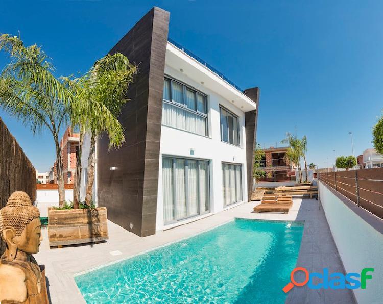 Villa independiente con piscina privada