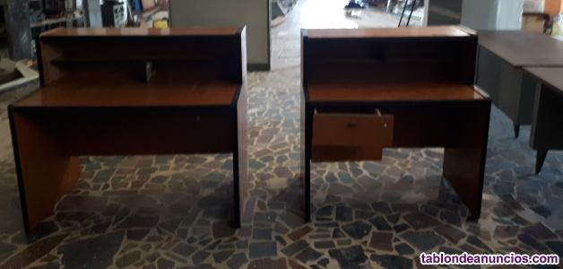 Mesas y armario oficina