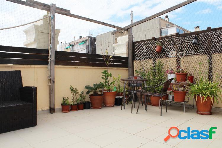 Piso Ático en alquiler con 2 habitaciones y gran terraza en