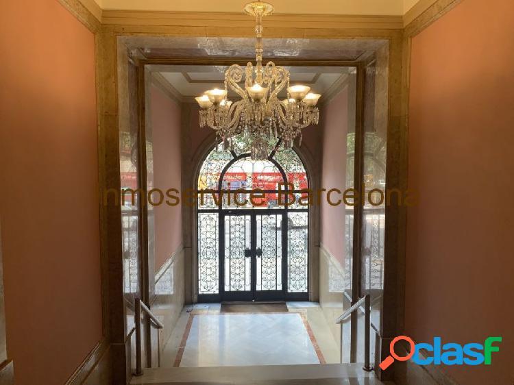 Precioso piso reformado junto Plaza Adriano zona altta