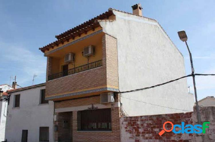 Casa en venta en calle José Antonio, zona Centro, 45908