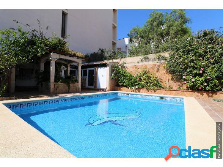 Chalet adosado con piscina en Cala Gamba