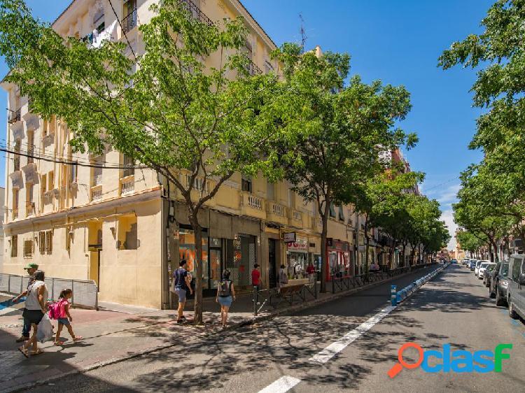 Piso en venta de 98 m² Calle de Francos Rodríguez, 28039