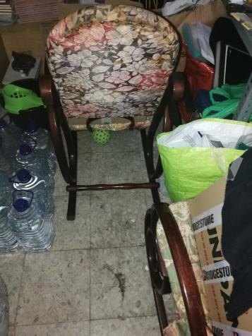SE VENDEN DOS MECEDORAS BUENA MADERA Y ESTADO