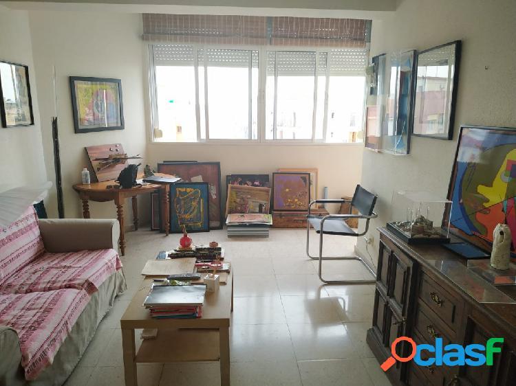 Apartamento de 1 dormitorio, salón, cocina y baño