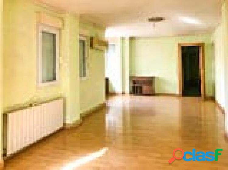 Bonito piso, amplio y luminoso, situado en Cenes de la Vega,