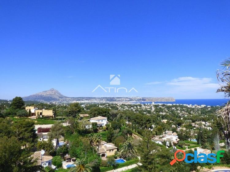 Fabulosa y espaciosa villa con preciosas vistas al mar desde