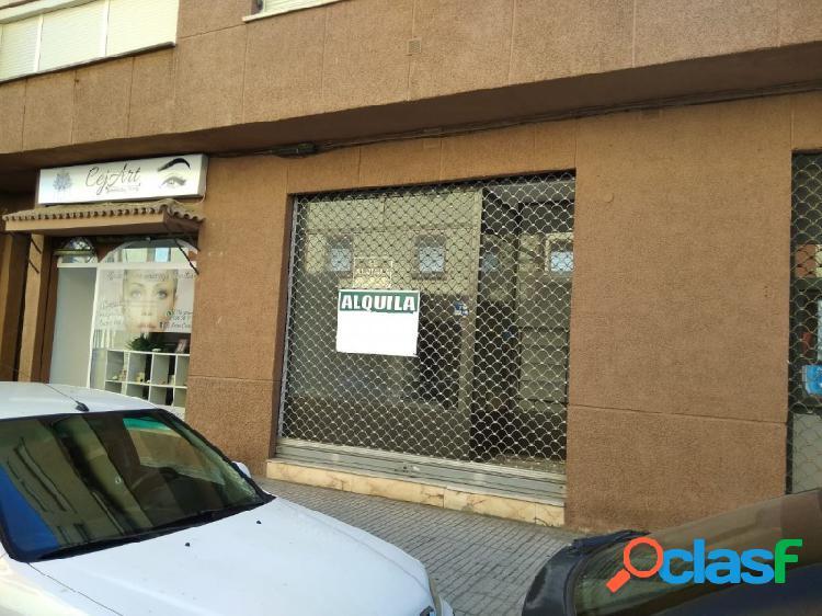 Local Comercial zona Av. Pardaleras, mucho paso de gente.