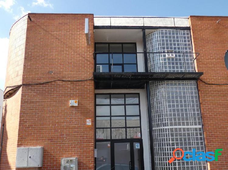 Nave industrial de 764 m2 en San Sebastian de los Reyes