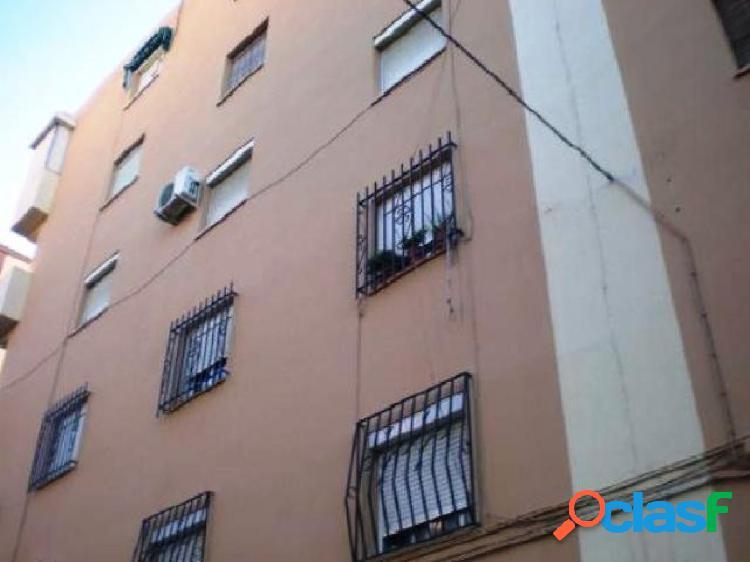 Piso de dos dormitorios en Almería, en la zona barrio Los