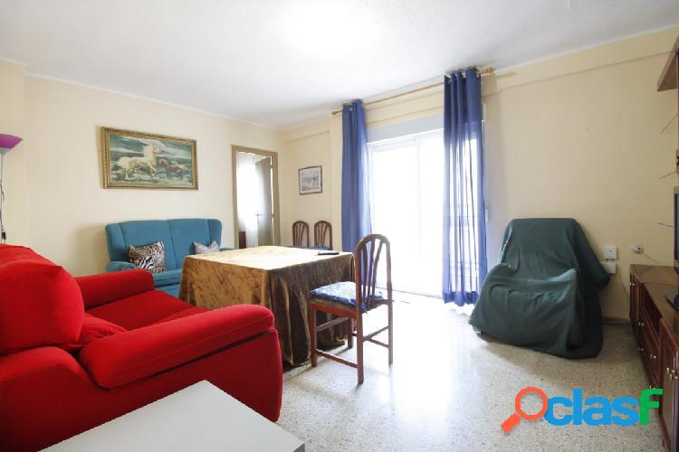 Ref: B5989. Piso de 3 dormitorios y 1 baño en Santa