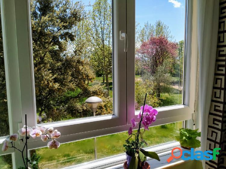 Urbis te ofrece un precioso y luminoso piso en venta en