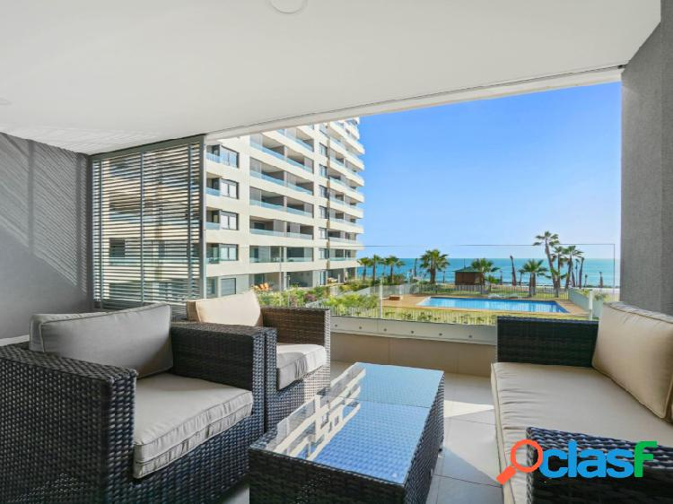 EWE - Apartamento en primera línea de mar en Punta Prima,