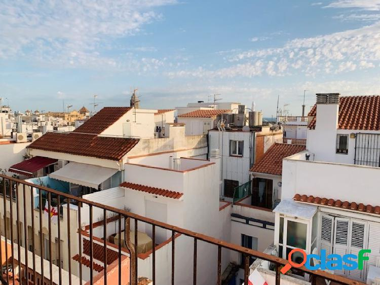 Fantástico edificio para reformar en pleno centro de Sitges