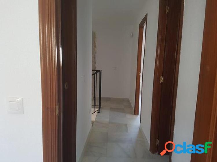 Casa en venta en Espartinas, Sevilla en Calle Rio Sella