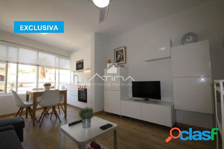 Luminoso apartamento con espacios abiertos a un paso de la