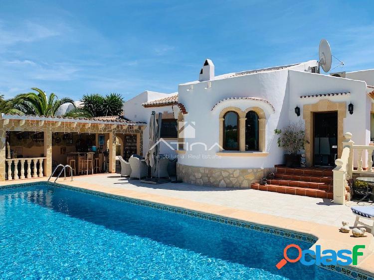 Preciosa Villa en venta en zona tranquila muy cerca de la