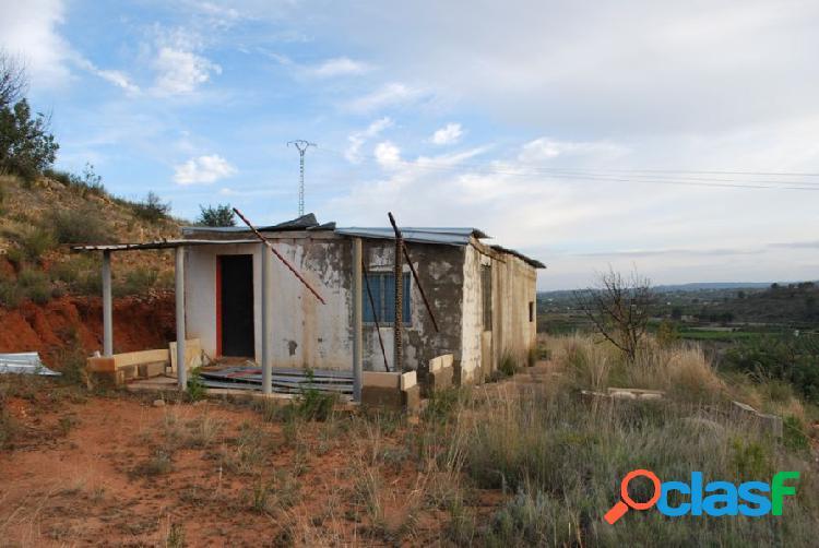 Finca rústica con casa de 60 m2 cerca de Pedralba
