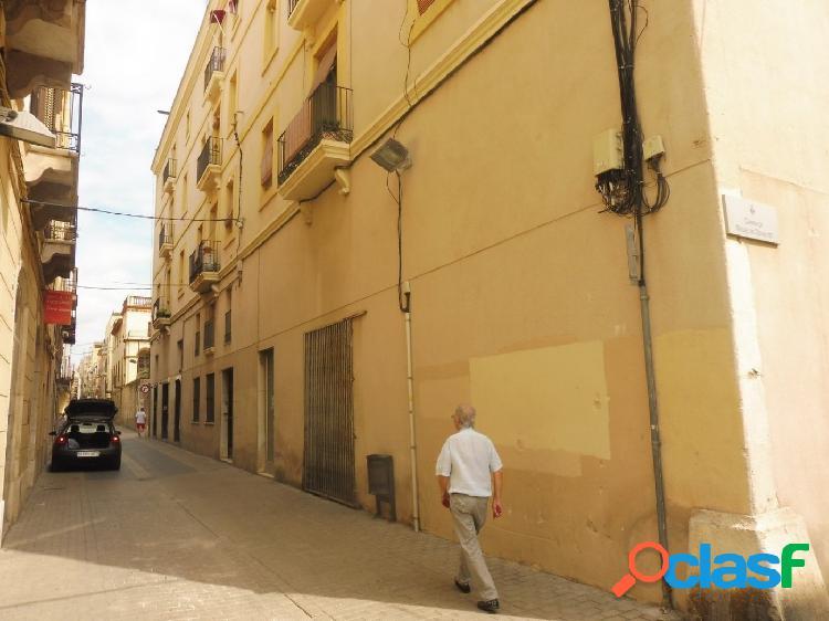 Local comercial de 146 m2 construidos ampliables con 874 m2