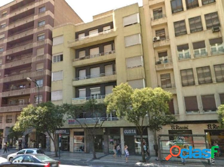 Piso en venta en Calle Maria Agustin, Zaragoza